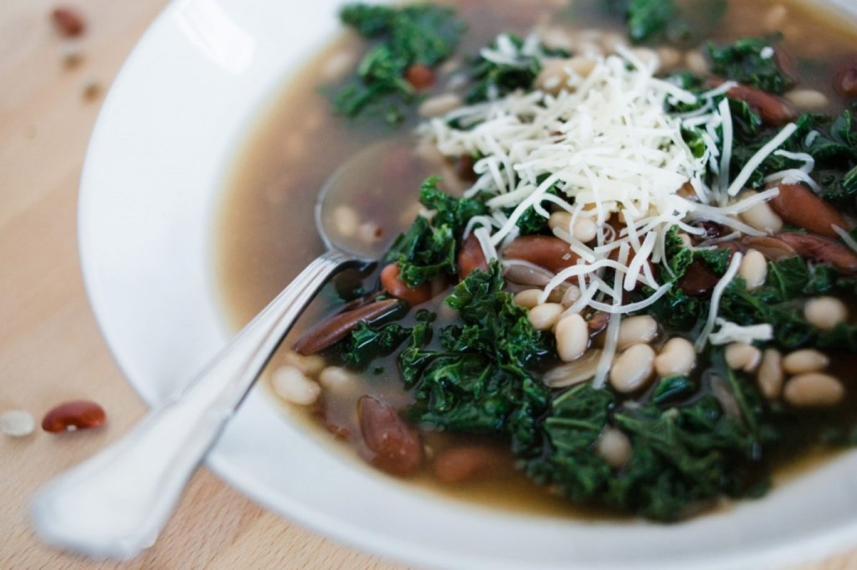 tuscan bean & kale soup, vegan recipe, soup recipe, fall soup recipe, bean soup, healthy, fall, winter, cozy, italian