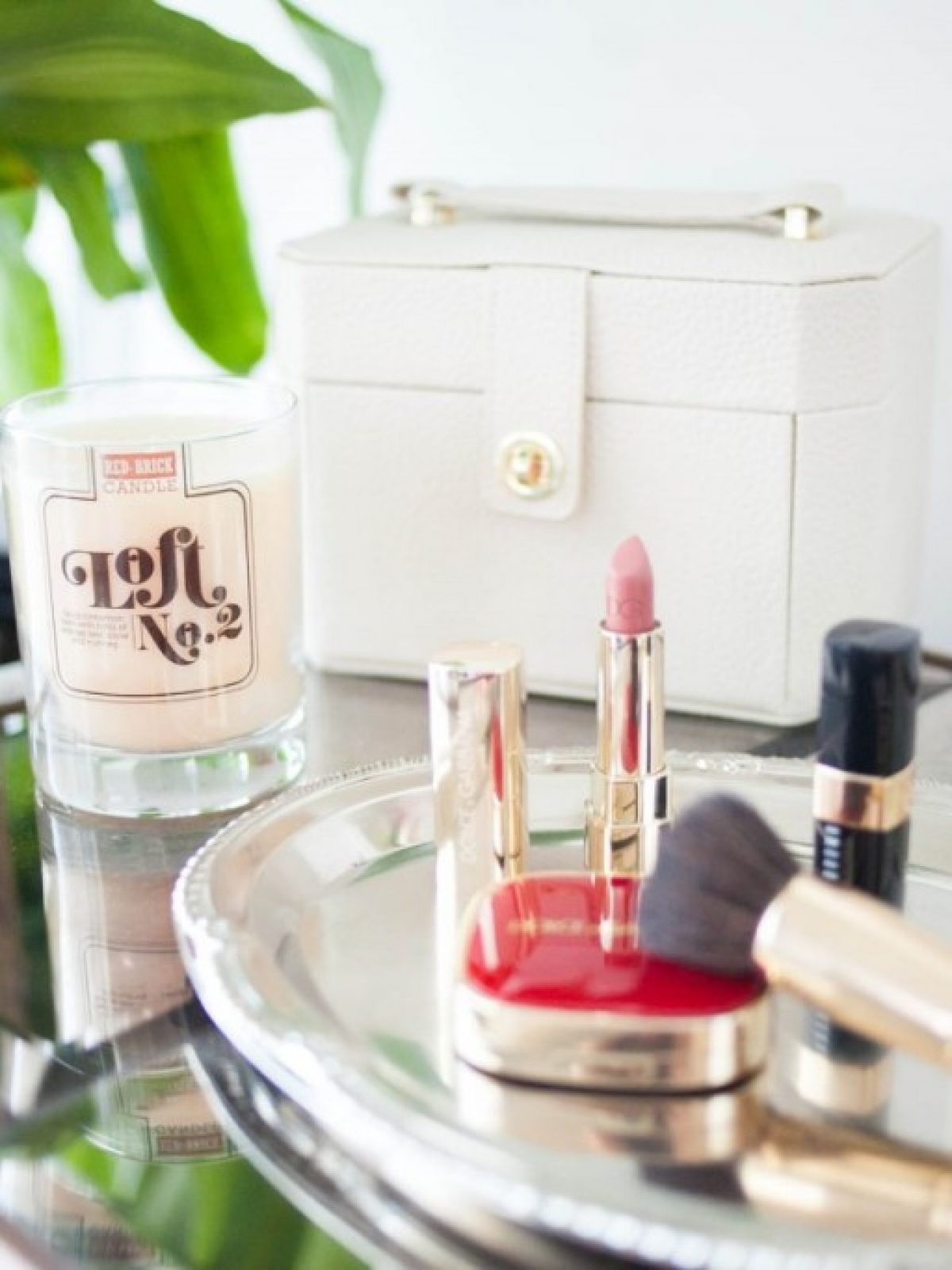 red brick candle, kauai, hawaii, club monaco giveaway, friday favorites, giveaway, bare minerals, heavenly face brush