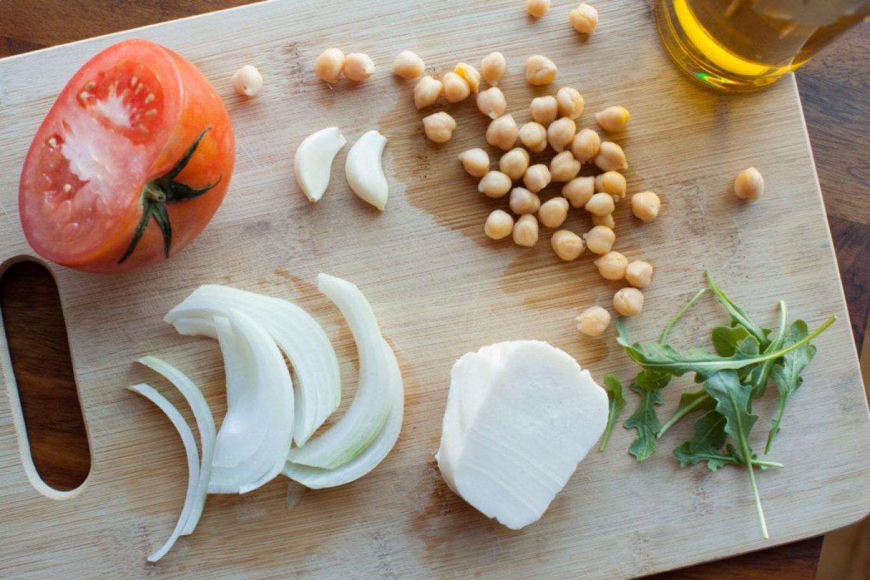 crisp mozzarella chickpea salad recipe