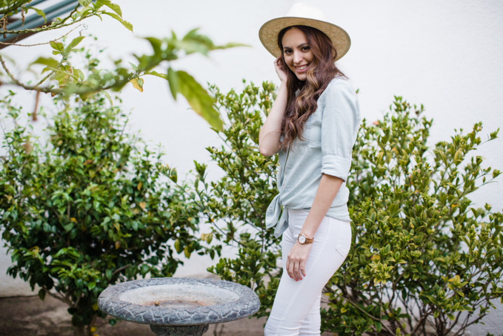 American Eagle, casual spring outfit ideas, chambray top and white jeans, champray top, j crew panama hat, jcrew panama hat, spring style, white denim, white jeans, santa monica, california, j.crew panama hat