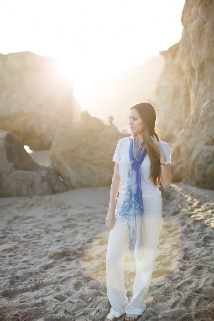 el matador beach, travel lush, los angeles beaches, where to go in LA, all white, beach outfit ideas, old navy linen pants, anthropologie scarf, sisters