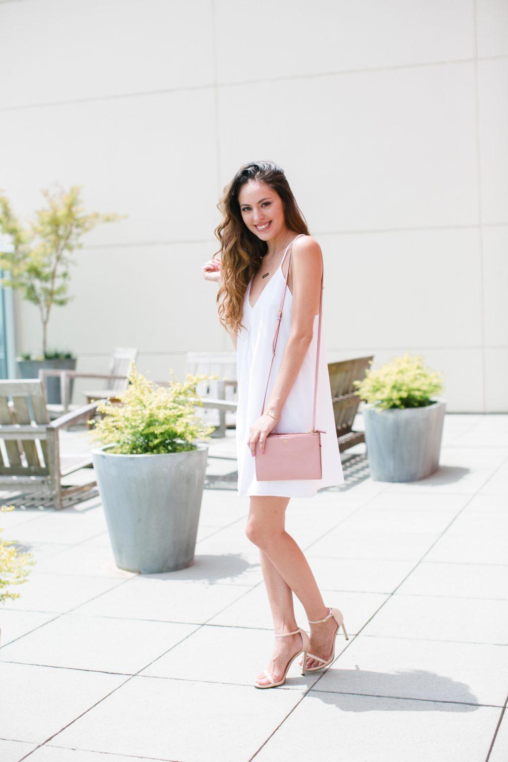 less is more, alice + olivia fierra y back dress, little white dress, stuart weitzman nudist, tom ford pink crossbody, simple summer style