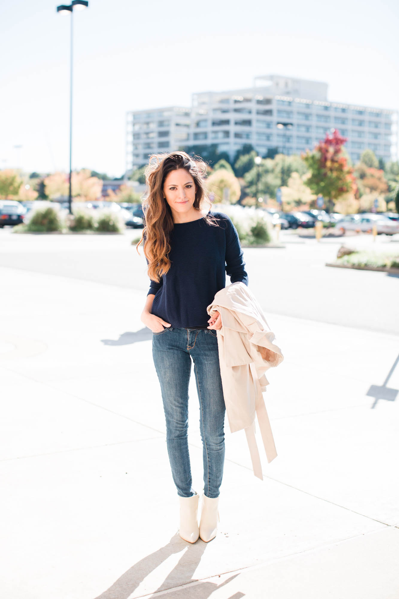 navy and nude, fall style, fall outfit ideas, how to style a trench ...