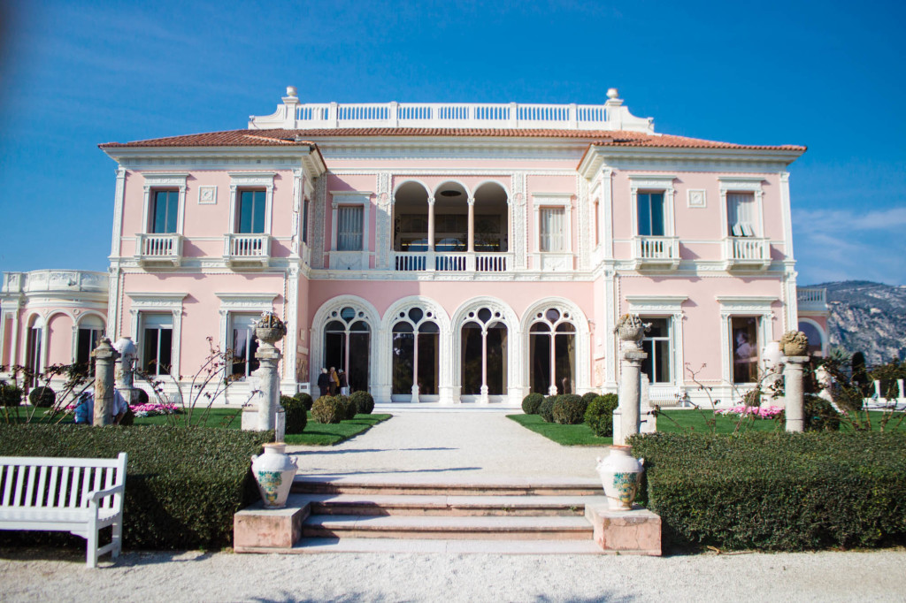 Le jardin de la villa ephrussi de rothschild lush to blush for Le jardin de la france