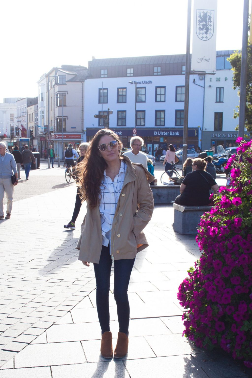 galway, ireland, what to wear in galway, what to do in galway, what to wear in ireland in september, windowpane flannel button down, trench coat, stylish fall outfit ideas, classic fall outfits, clean fall outfits