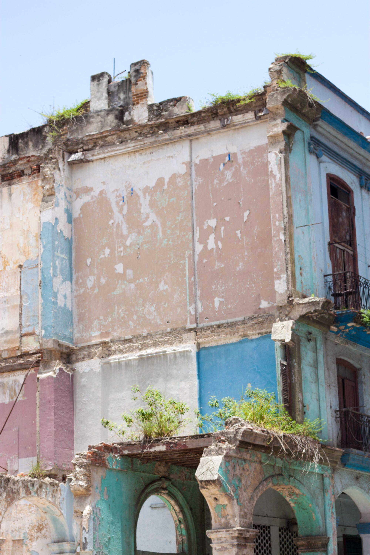 havana cuba travel tips, internet in havana cuba, havana cuba blogger, travel blog havana cuba, old havana, havana vieja, classic cars in havana cuba