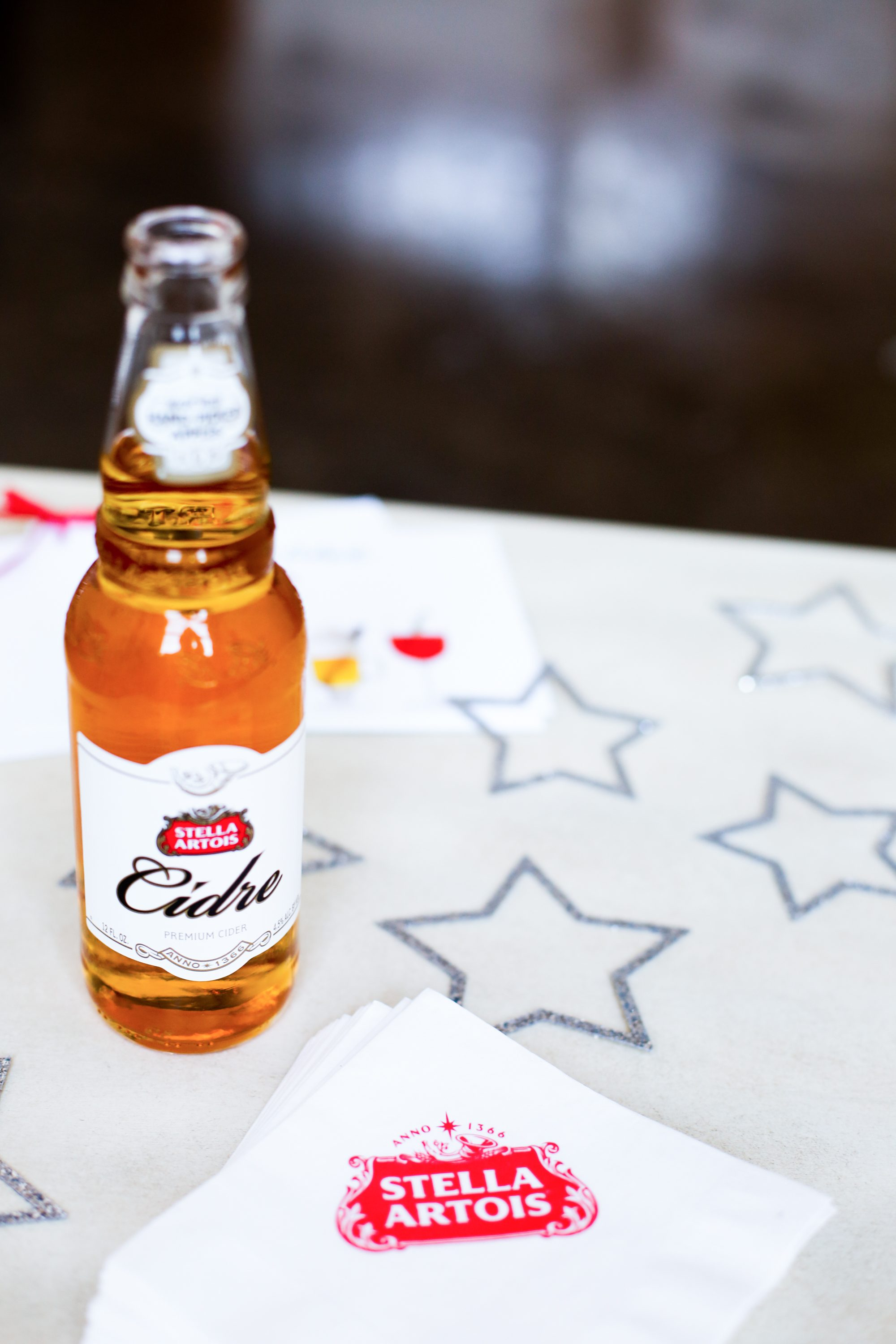 Stella Artois, Winter Wonderland Party, Hosting tips, party decor, winter party ideas, how to decorate for a holiday party