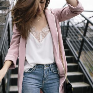 wet seal MORNING RISE DUSTER BLAZER IN LIGHT PINK, press lace tank, spring transition outfit ideas, how to wear pink, how to wear a lace camisole, spring looks