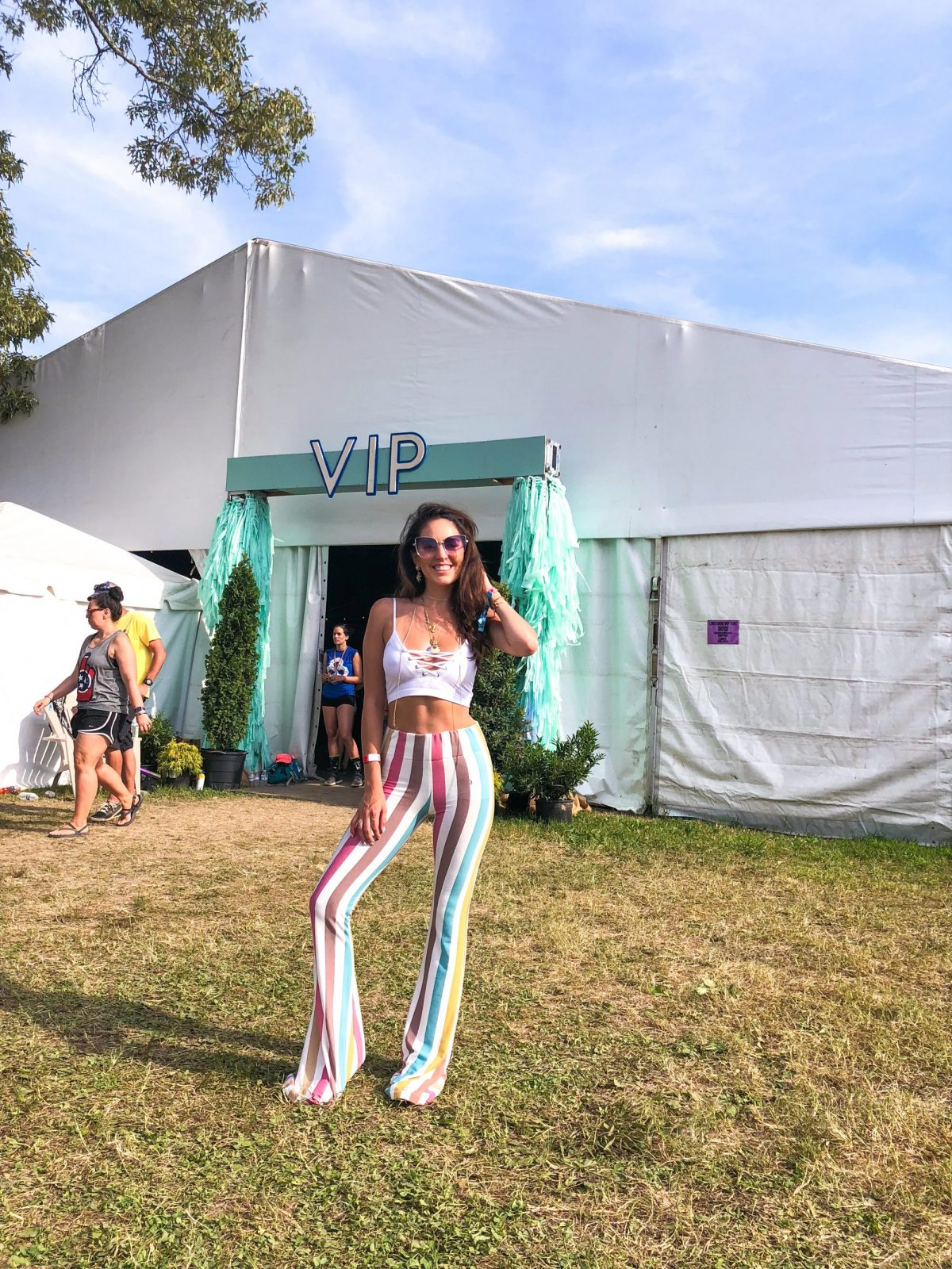 Bonnaroo 2018, mamie ruth striped pants, south moon under, festival style, alex and ani, the oasis at bacardi bay, vip at bonnaroo