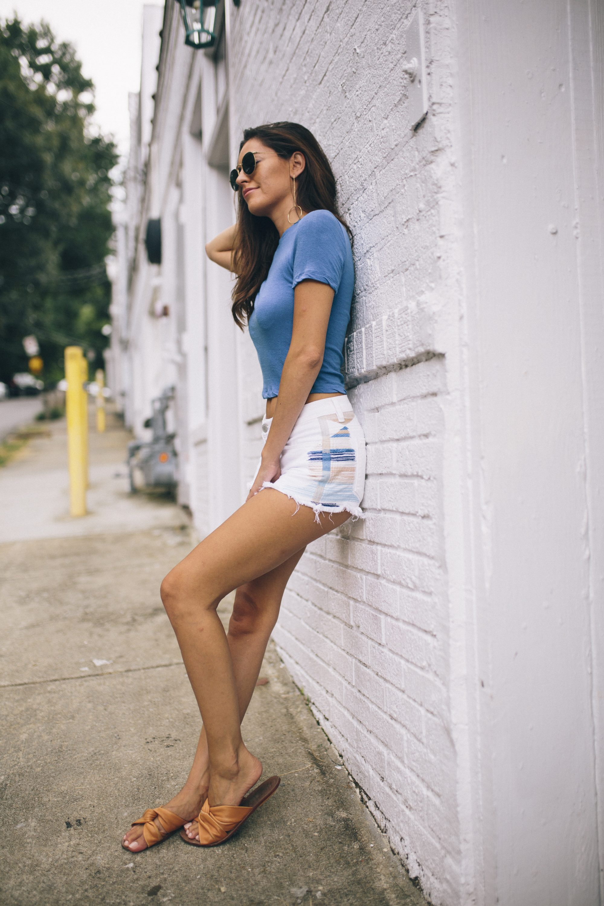 casual summer outfit ideas, south moon under blank nyc White Cutoff Short With Embroidery