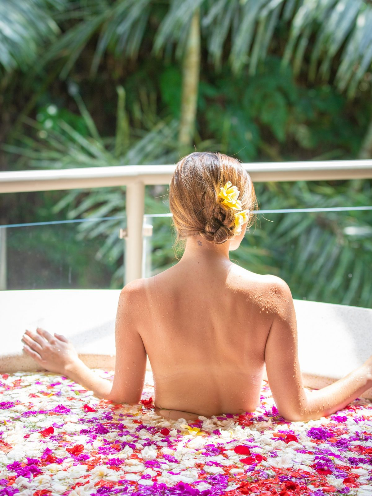 bali flower bath, where to have a flower bath in bali, sankara suites ubud, flower bath ubud, flower bath photos, sankara suites flower bath