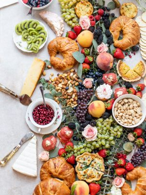 how to build a grazing table, how to assemble a grazing table, how to create a grazing table, hosting tips, hostess tips, how to throw a brunch, hosting at home, hosting for the holidays