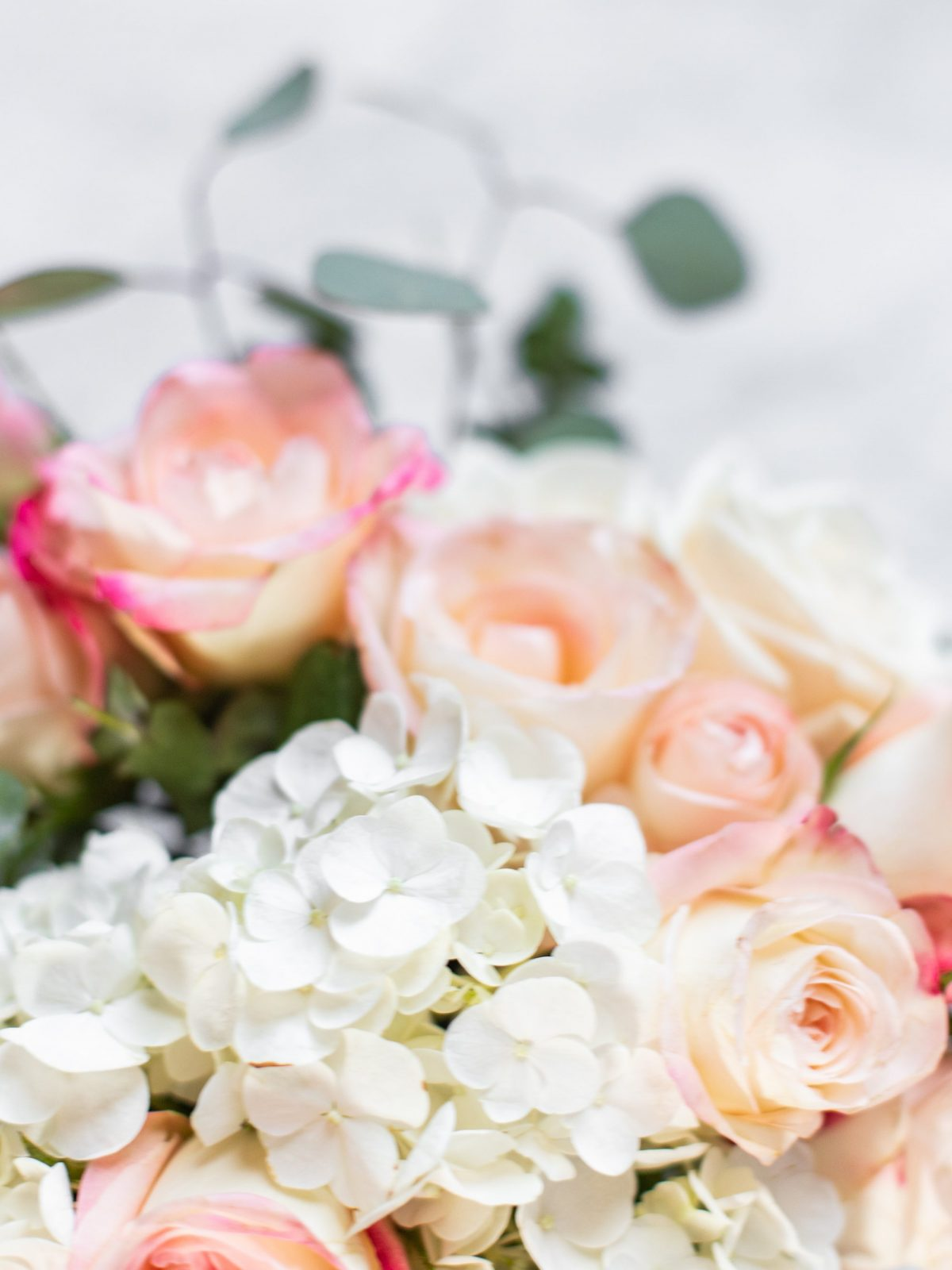 flower arranging 101, how to arrange flowers, flower arrangement tips, hosting tips, hostess ideas, hosting decor ideas