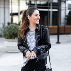 snakeskin trend 2019, casual snakeskin, casual snakeskin t-shirt, casual snakeskin tee, studded leather jacket, black ripped jeans, atlantic station atlanta, casual outfit ideas, casual fall outfits, edgy fall outfit