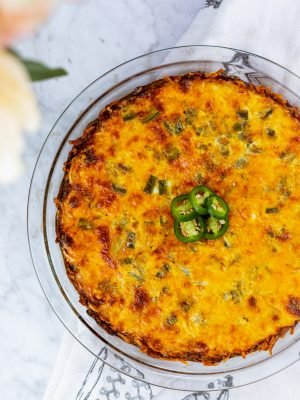 crustless quiche, hashbrown crust quiche, hashbrown quiche bake, quarantine recipes, breakfast recipe, spicy food ideas, gluten free quiche, jalapeno quiche